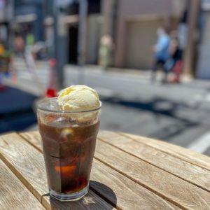 今日も暑いですね。、。、 推してる訳ではないですが、 コーヒーフロートは涼やかで